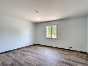 pièce d'une maison neuve mise en peinture par Deco Peint