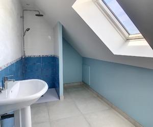 Salle de bain maison neuve mise en peinture par Deco Peint