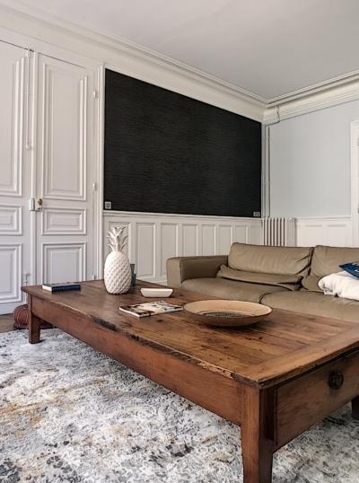 séjour rénové et décoration par Deco Peint maison du centre ancien
