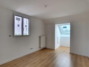 chambre maison neuve peinture blanche à Orléans