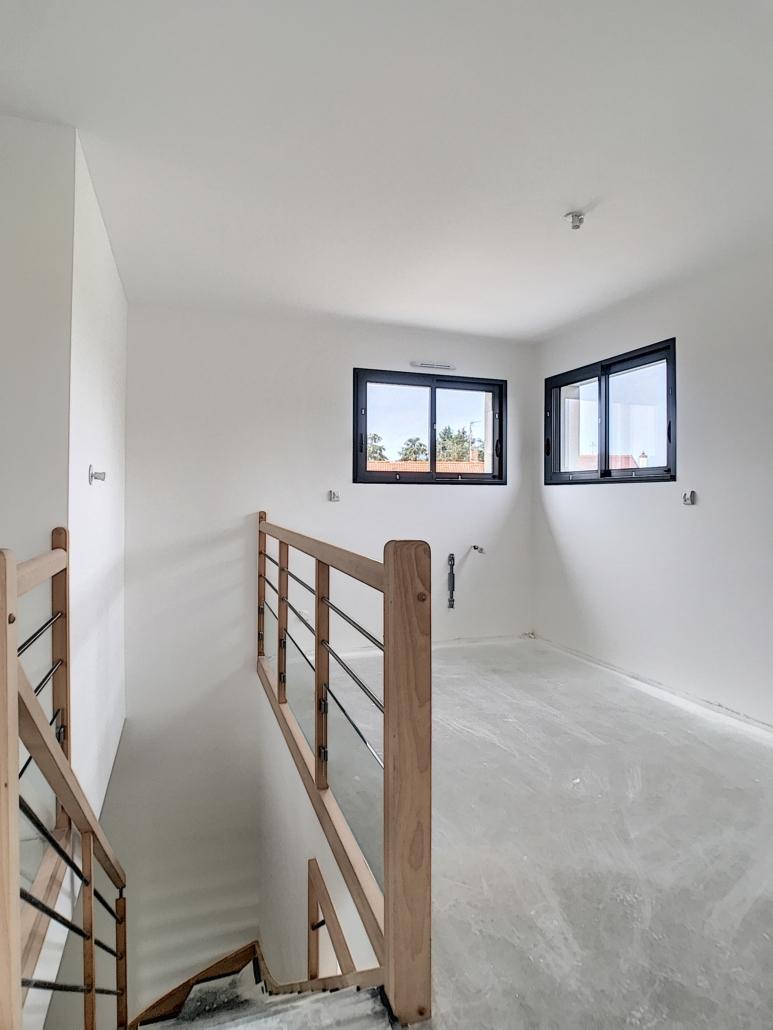 murs et plafonds maison neuve peint en blanc par Deco Peint