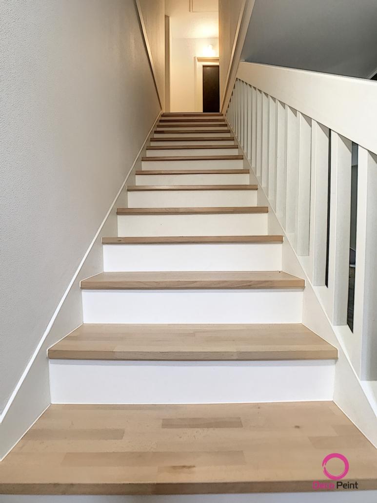 Escalier rénové dans une maison à Olivet et peinture des murs